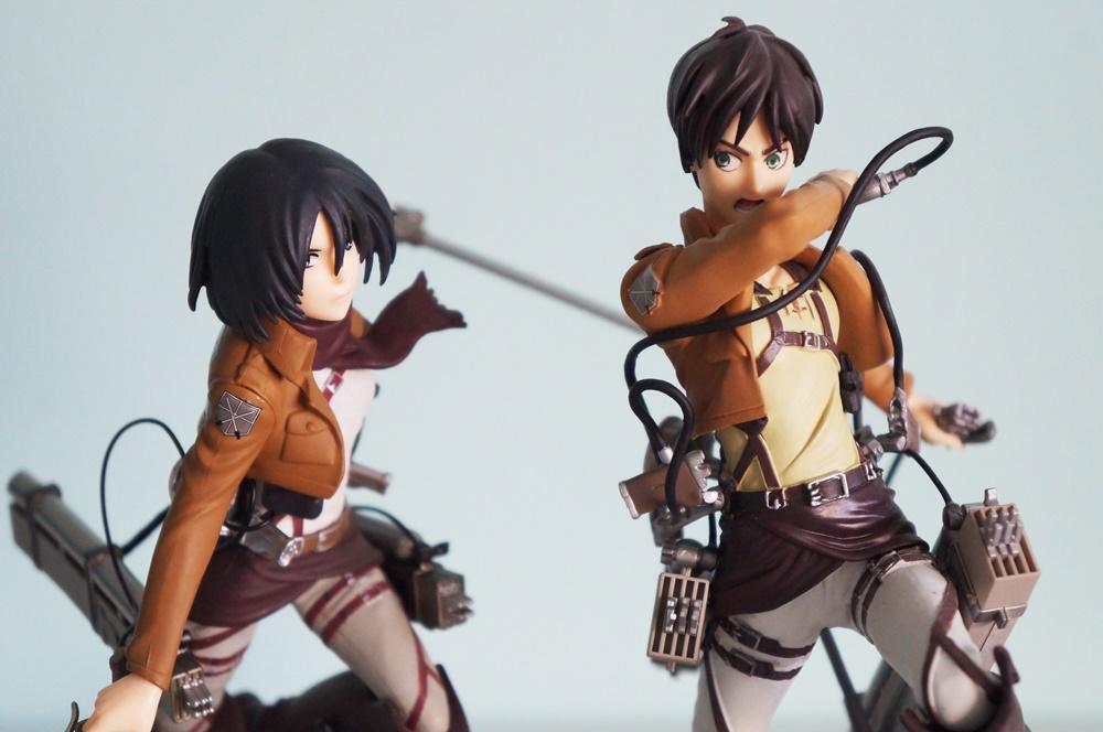 Shingeki no Kyojin figures - Mikasa & Eren